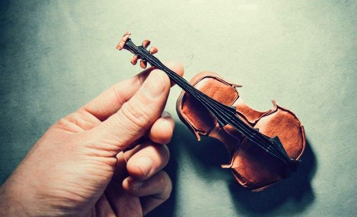 Шедевры бумажного искусства. Скрипка. Мастер оригами: Гонсало Гарсия Кальво (Gonzalo Garcia Calvo).
