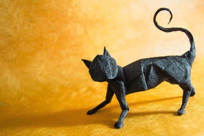 Чёрный кот. Мастер оригами: Гонсало Гарсия Кальво (Gonzalo Garcia Calvo).