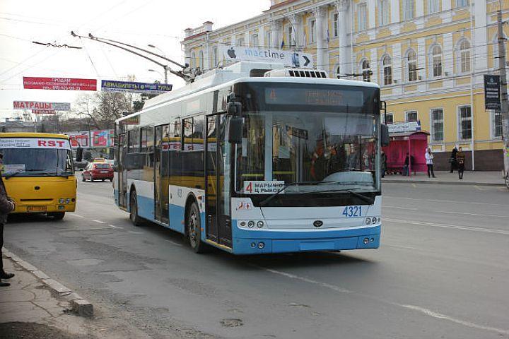 Три четверти пассажиров троллейбусов в Севастополе – льготники