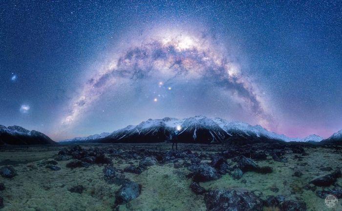 Млечный путь над долиной Тасмана.