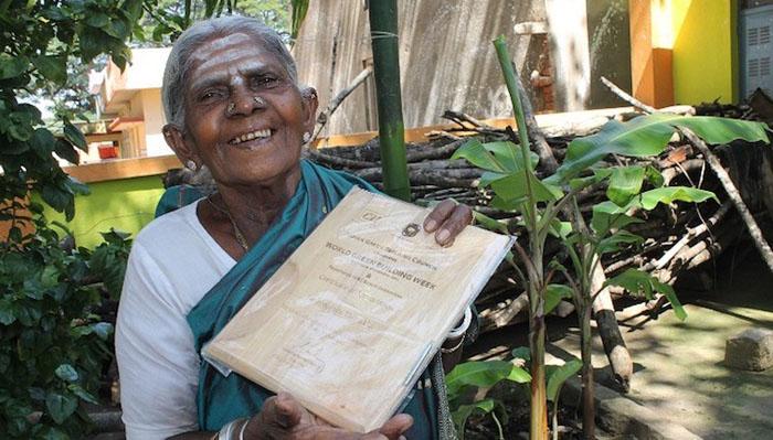 Саалумарада, посадившая более 300 деревьев в засушливой части Индии.
