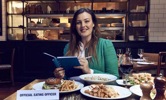 Софи Харди, официальный инспектор еды.