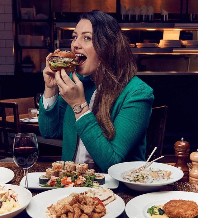 Два раза в неделю Софи Харди посещает рестораны и ищет такие заведения, которые предлагают блюда, подходящие для худеющих.