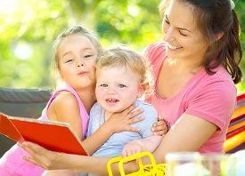 Как научить малыша вежливости