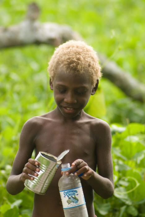 Темнокожие блондины - необычные жители Меланезии.