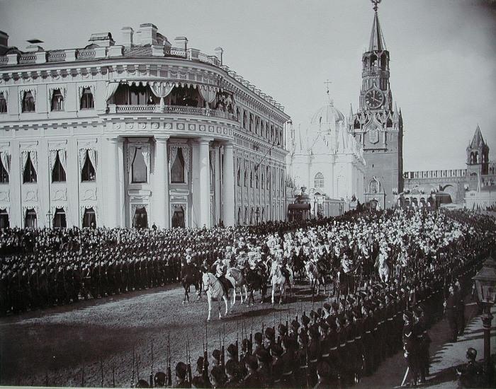 После церемонии коронации императора Николая II.