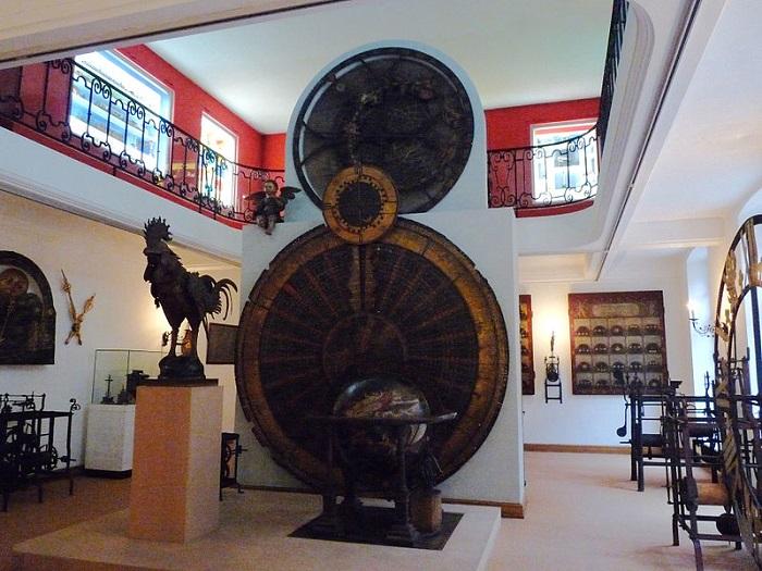 Первый механизм и петух хранятся сегодня в Страсбургском музее декоративного искусства. | Фото: commons.wikimedia.org.